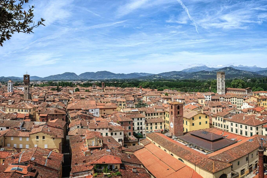 Lucca Private Day Tour Allure of Tuscany