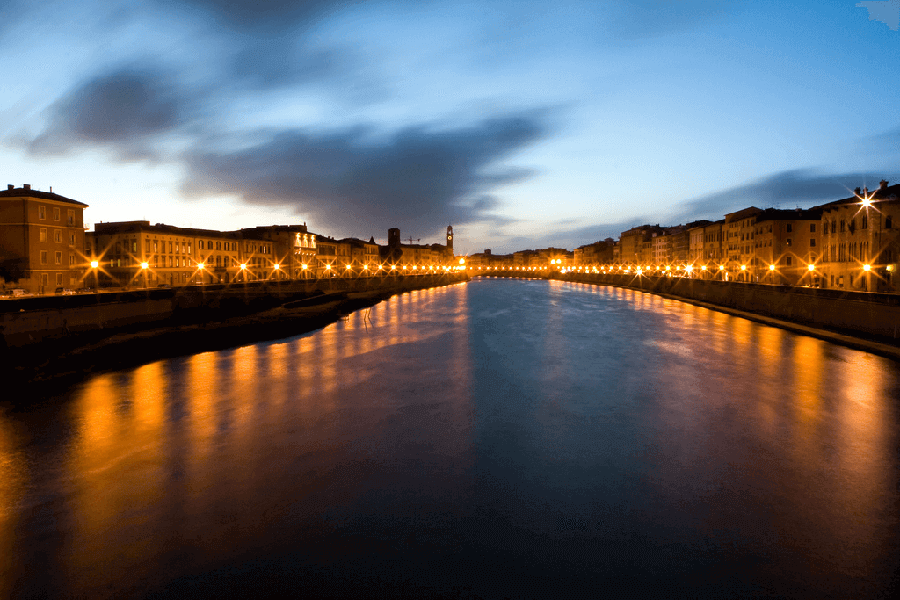 Lungarnos of Pisa at dusk - Private Guided Tours