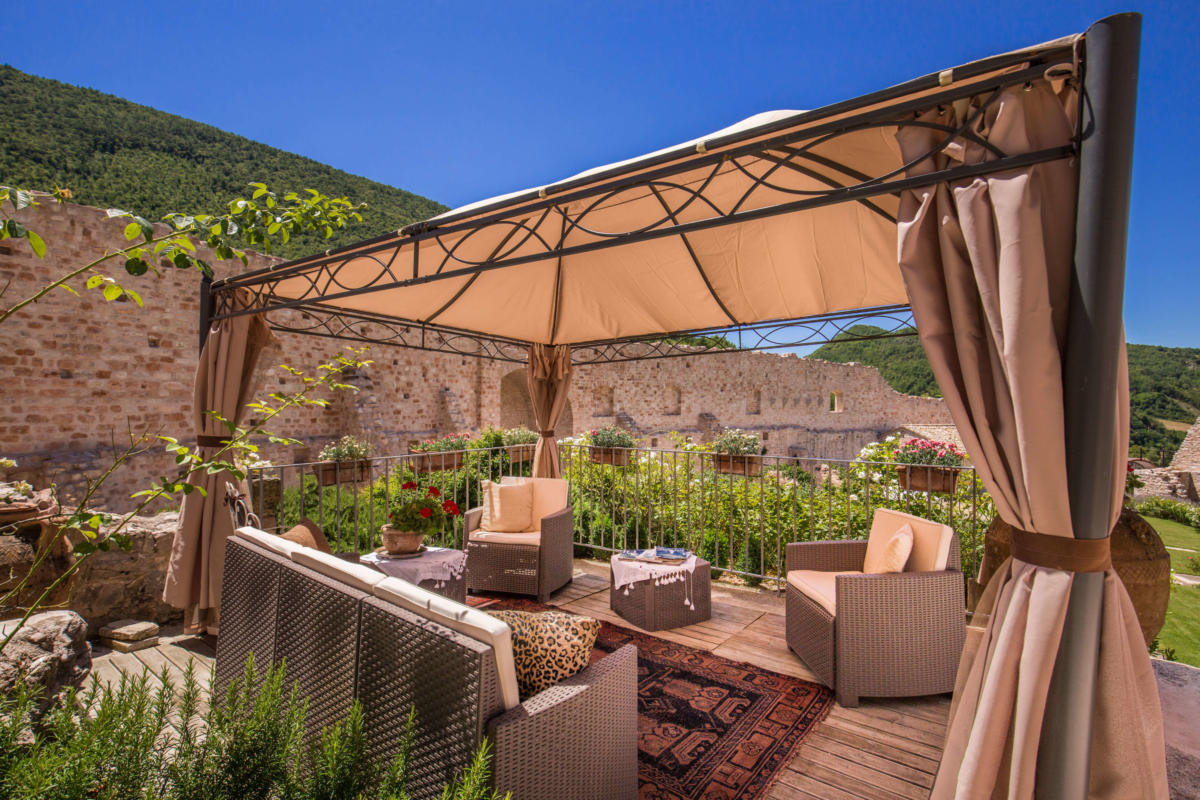 Alfresco Castle Allure Of Tuscany