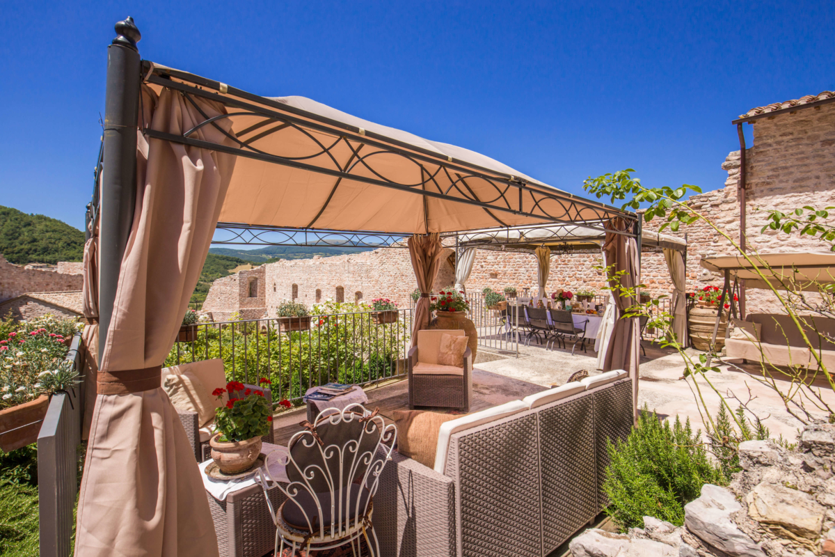 Alfresco Luxury Castle Allure Of Tuscany