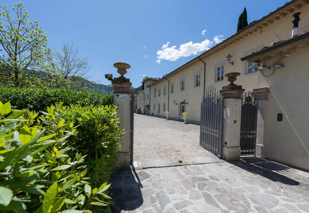 Entrance-view-villa-lucca-luxury-allure-of-tuscany