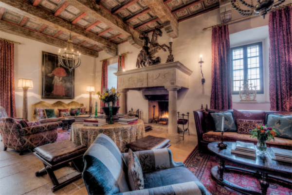 Living-Room-Castle-Procopio-Umbria-Allure-Of-Tuscany