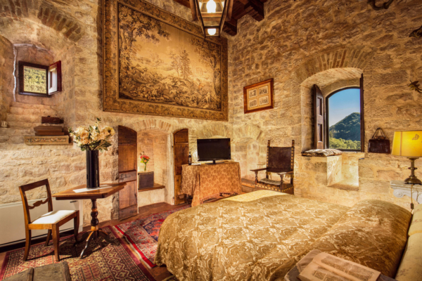 The Castel-Villa Bedroom-01-Allure-Of-Tuscany