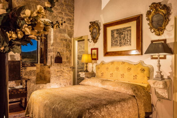 The Castel-Villa Bedroom-02-Allure-Of-Tuscany