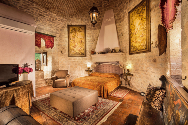 The Castel-Villa Bedroom-03-Allure-Of-Tuscany