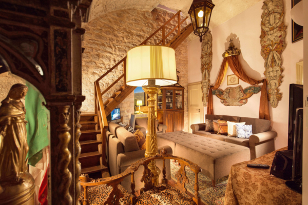The Castle Living Room - Allure Of Tuscany