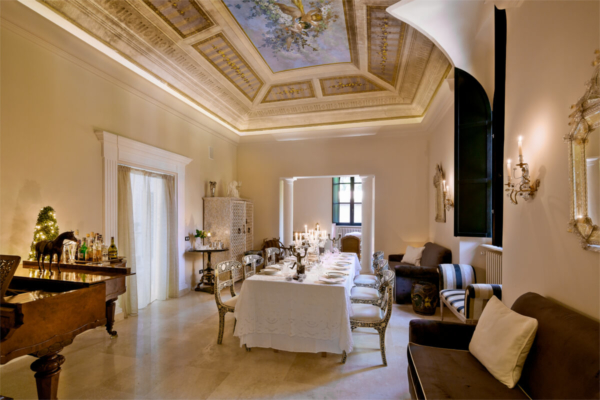 Dining Room in Luxury Villa in Siena - Allure Of Tuscany
