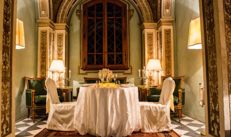 Romantic-Dinner-in -the-chappel-allure-of-tuscany