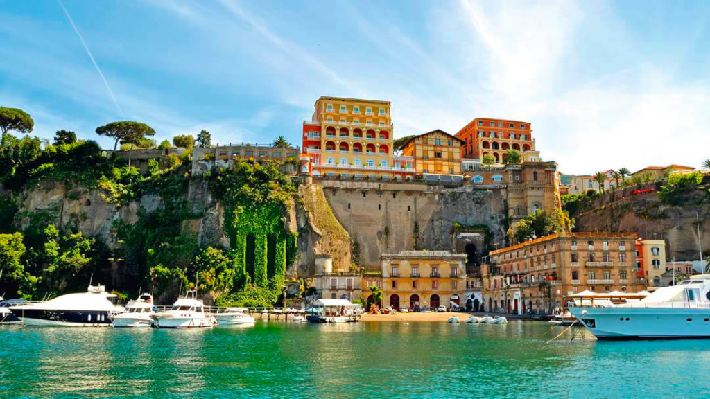 Amalfi Coast Luxury Yacht Charter