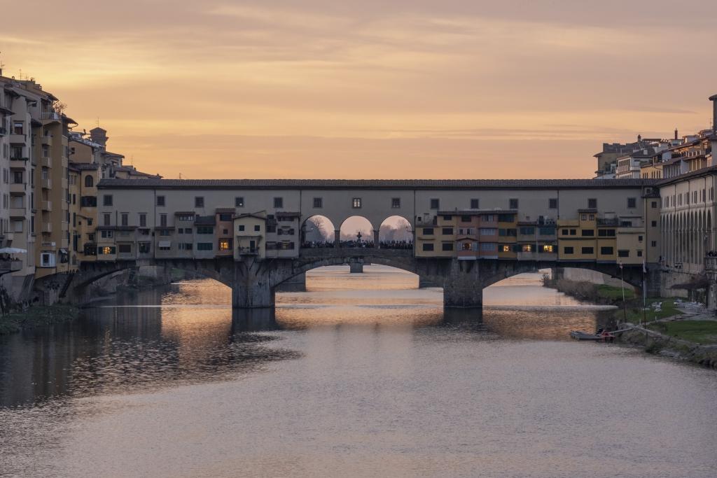 Ponte-vecchio-romantic-dinner-allure-of-tuscany